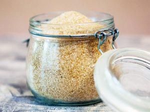 น้ำตาล (Sugar) มีรสหวาน นำไปประกอบอาหารได้ และใช้เป็นพลังงานเสริมให้กับร่างกาย